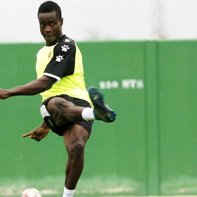 Michael Anaba, nuevo refuerzo para el centro del campo