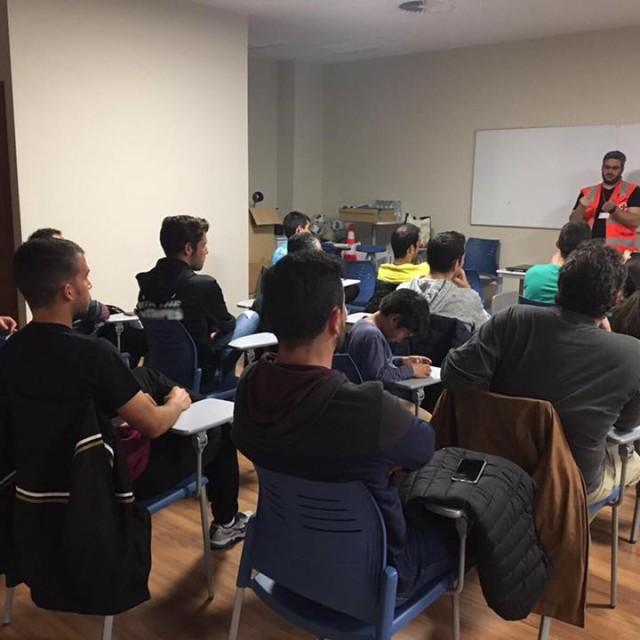 CRUZ ROJA REALIZA UN CURSO DE PRIMEROS AUXILIOS EN LA FUNDACIÓN
